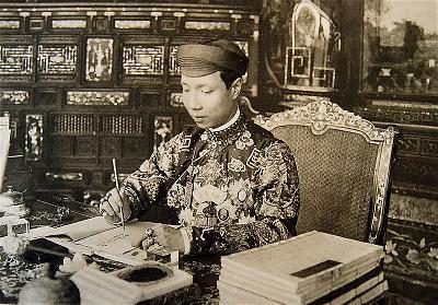 Emperor_Khai_Dinh_1916